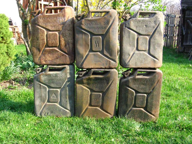 German and US jerrycans from ww2 - Friendly Metal Detecting Forums